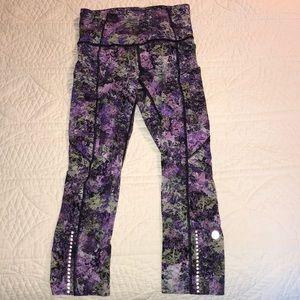 lululemon athletica Pants - NWOT Lululemon Patterned Crops 🍋🍋🍋